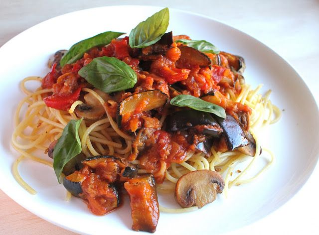 Roasted Vegetable Tomato Pasta Sauce with Fried Spaghetti