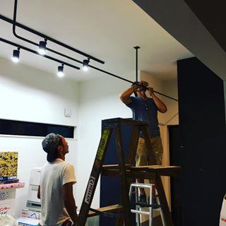 最近よくお問い合わせいただく天井吊りバー 室内干しに ディスプレイ
