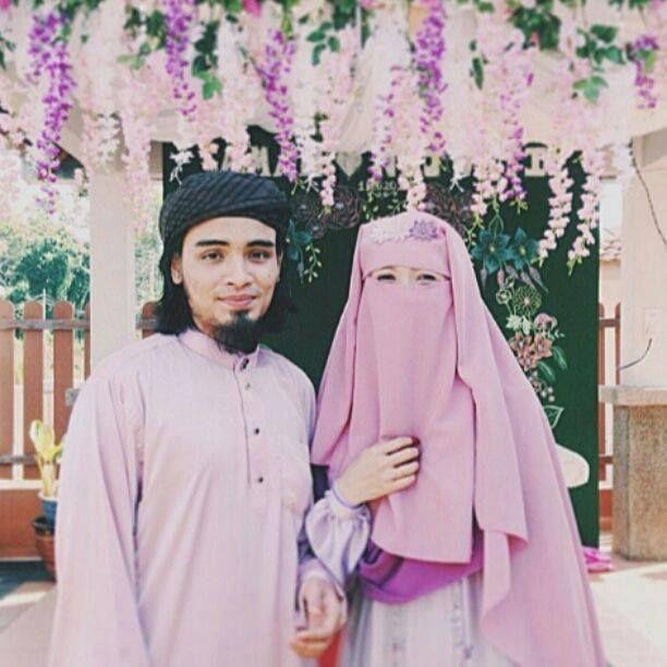 pastel pink niqab