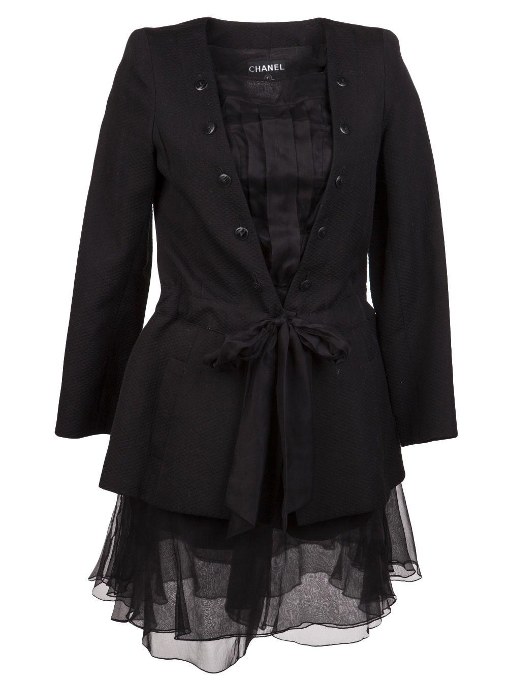 daadb50db00 Chanel Vintage Pique Suit - Amarcord Vintage Fashion - Farfetch.com ...