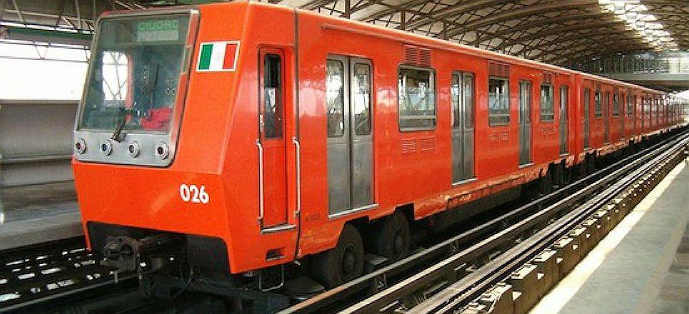Exigen a Marcelo Ebrard reabrir estaciones del metro en Twitter