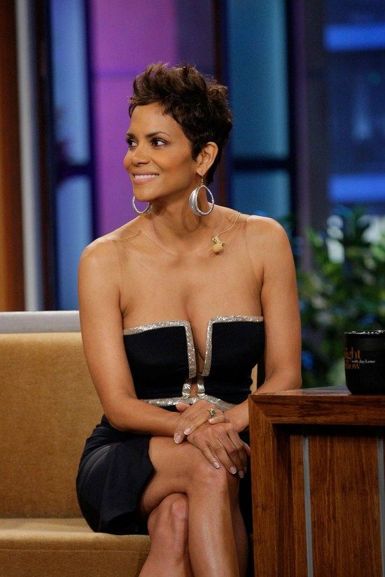 Halle Berry Hot Pics Gifs And Videos