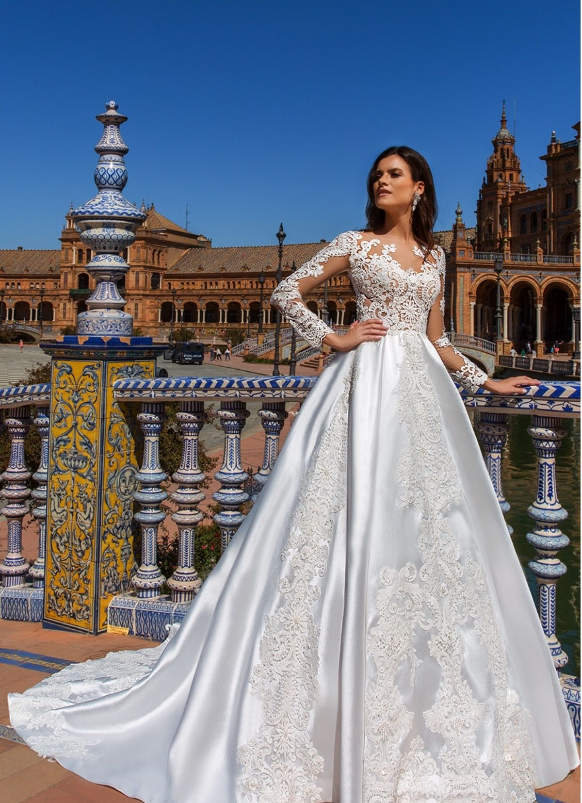 Pin by WeddingZ on Wedding Dresses | Pinterest | Wedding dress ...