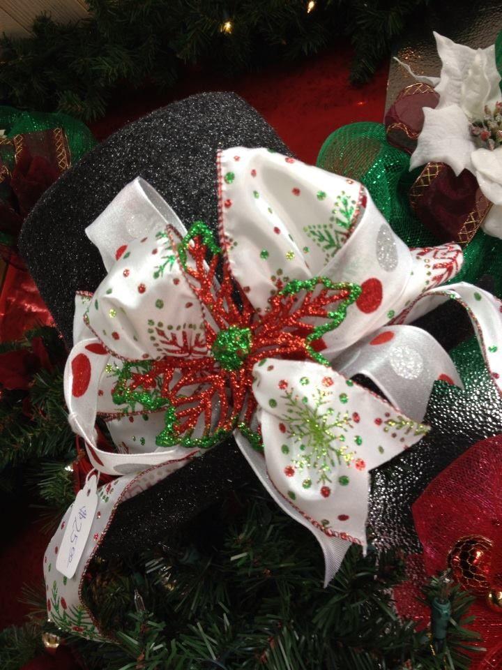 Top Hat Tree Topper 10X10 $25