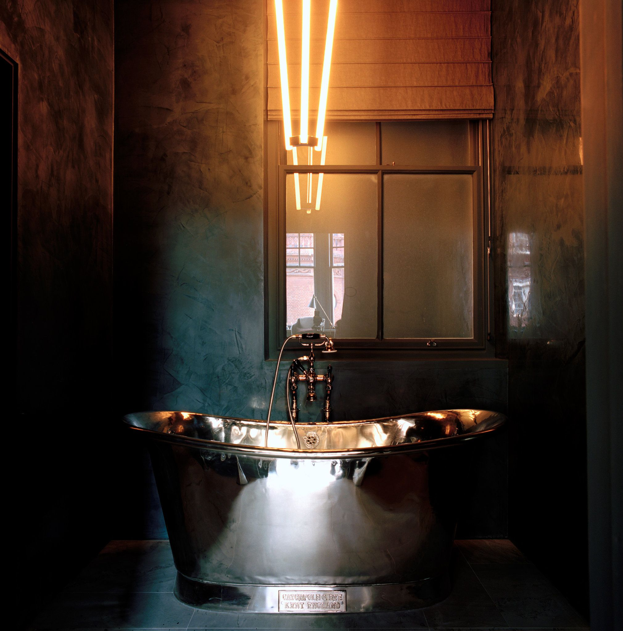 Faye Toogoods Moody Blues Discover More Ideas About British - Masculine bathroom design