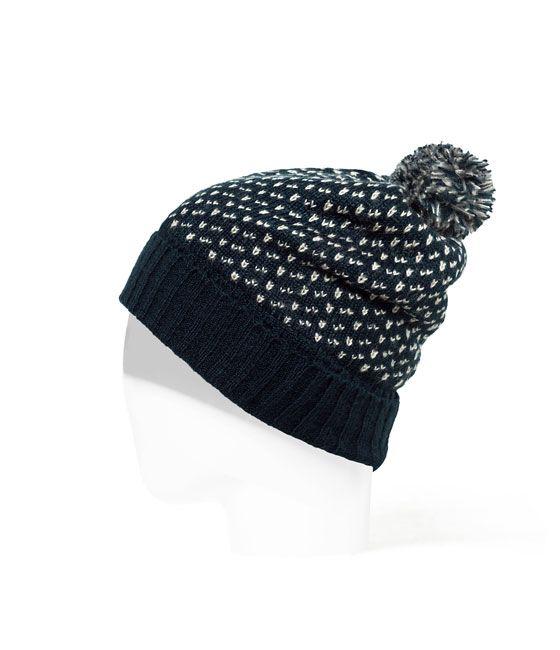 GORRO PUNTO FANTASÍA de Zara - 9,95€ | Ropita | Pinterest | Knitted ...