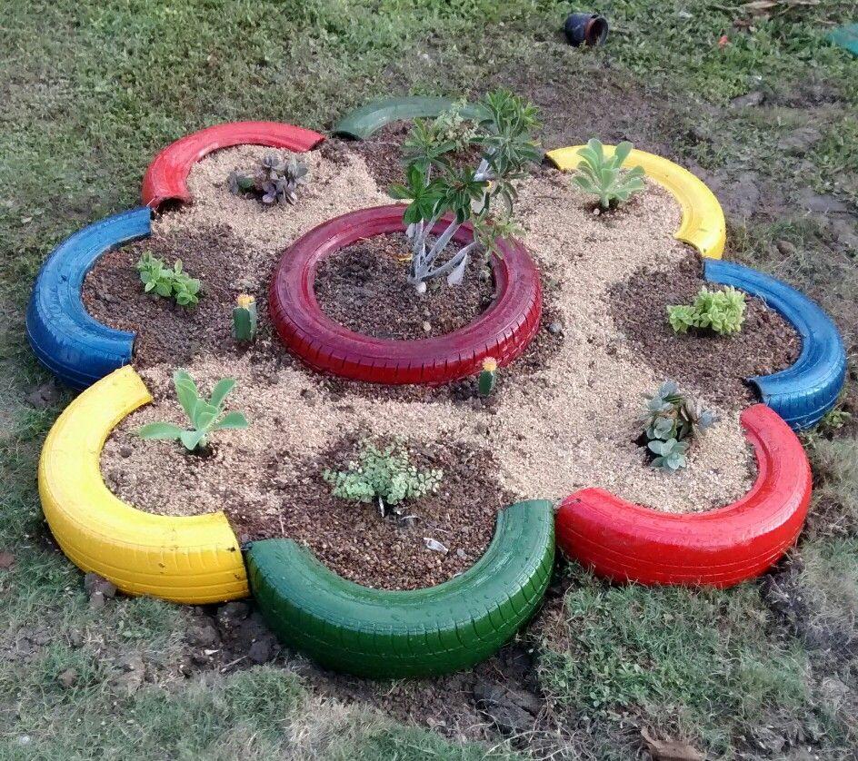 Flower tires old recycle, flor con llantas viejas recicladas