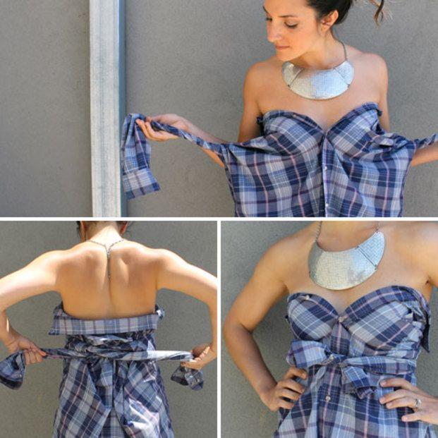 胸元までボタンを留めて、襟の部分は大きく開いて後ろに送ります。袖の部分は軽くねじって、背中で一度交差させてから、胸元で結びます!!