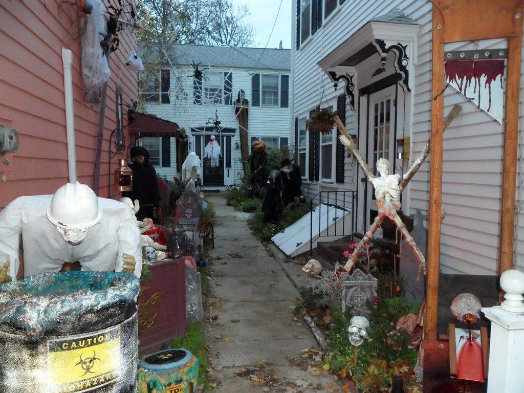 Panoramio , Photo of Halloween decorations in Salem, MA