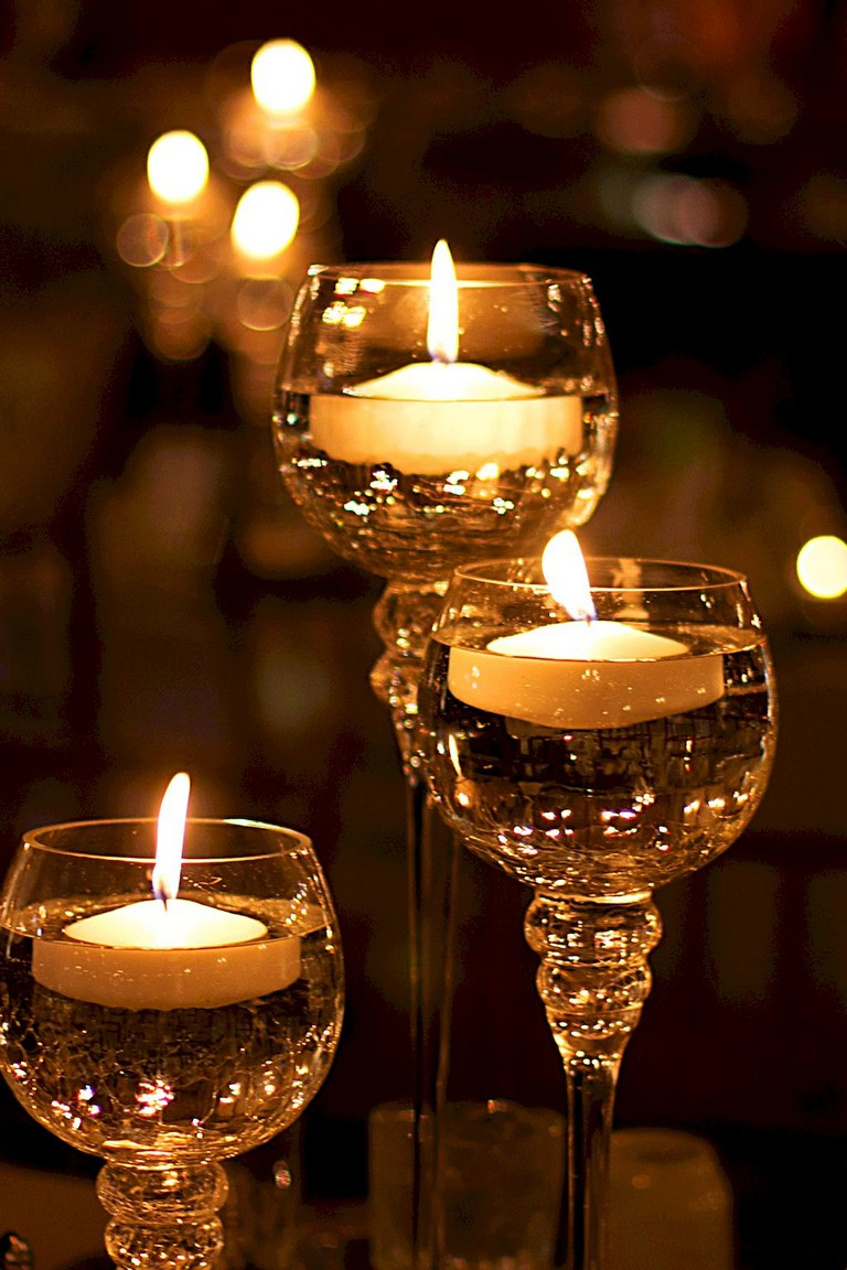 Good Screen Floating Candles winter Tips Obviously, there is a sensible way  to blend Flame along with Wate…   Diy floating candles, Candles crafts, Floating  candles