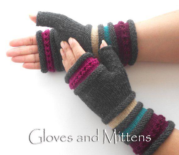 Fingerlose Handschuhe, gestrickte gestreifte Armstulpen, fingerlose Stulpen, dunkel grau Pulswärmer, Weihnachtsgeschenk, Geschenk für Frau, Geschenk für sie.