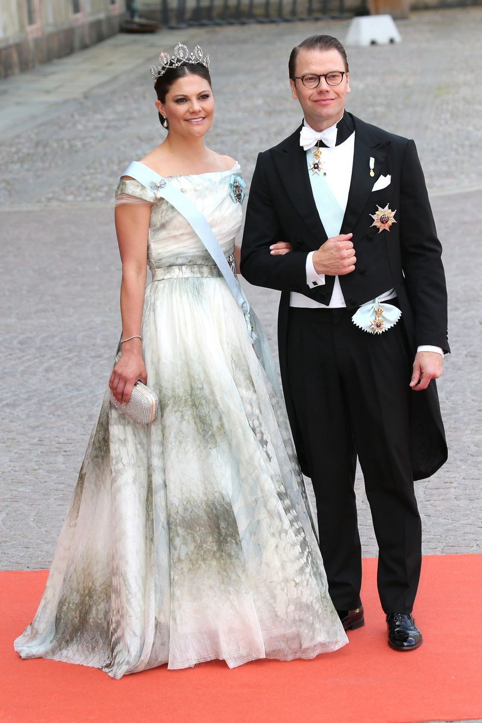 Look Back At The Breathtaking Pictures From Prince Carl Philip And Princess Sofia S Wedding Wedding Dresses Prince Carl Philip Princess Bridal Gown [ 2577 x 2048 Pixel ]