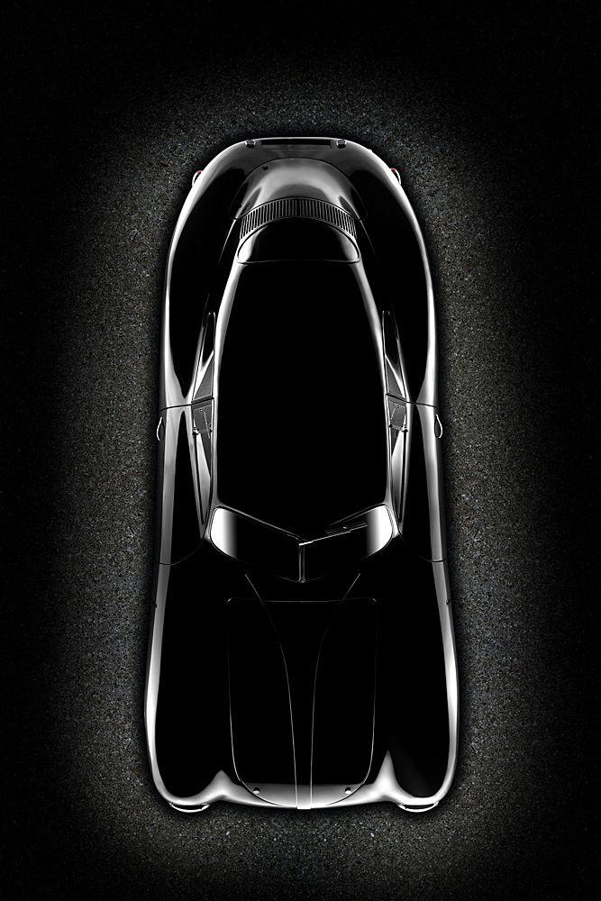 Porsche Type 64 - Peut être considérée comme étant la première porche malgré sa fabrication en 1938 sous la marque VW. La photo sublime les formes ce cette magnifique voiture carossée à la main et taillée pour la course. Equipée d'un 998cm3 elle pouvait atteindre 160 km/h