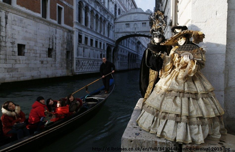 Venice Carnival and its Costumes and Masks | Curious Kat's ...