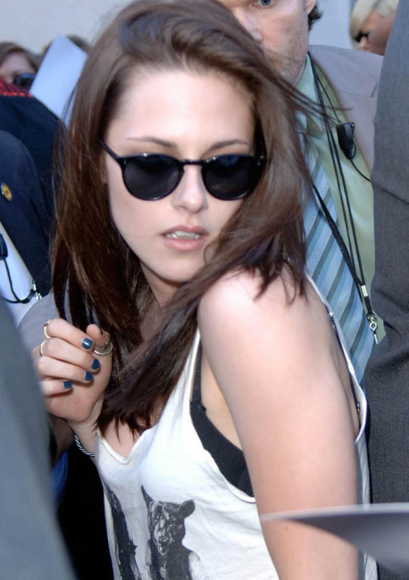 Kristin Stewart in O Malley   Celebrity Sightings   Kristen Stewart ... 246ea7a3f60d