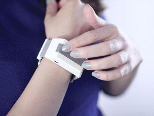 TACTILU Tactile Communication Bracelet by panGenerator