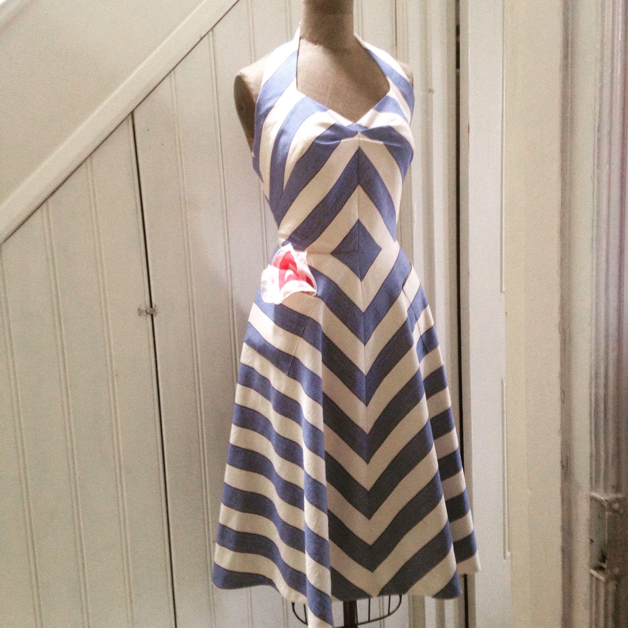 "1950's style 'Sweetheart Halter Dress' Free pdf pattern , UK12 /US8 36"" bust/29"" waist. veravenus.com"