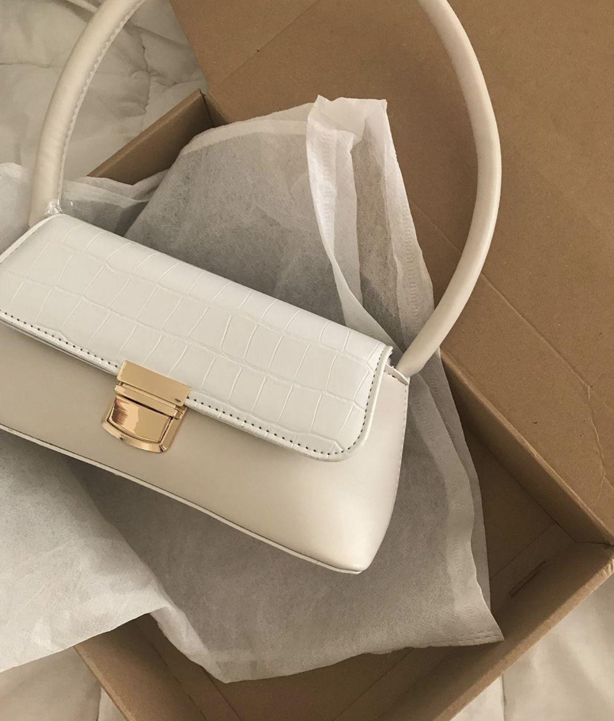 Pin by Gigi on b a g s | Fashion bags, Pretty bags, Stylish bag