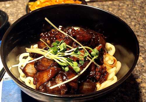 HAEMOOL JJAJANGMYUN (I can't find the recipe for this, but if I do I'll update this pic with the link)