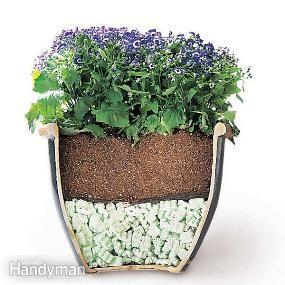 Tips for Moving Heavy Potted Plants- use packing peanuts! #garden #pots #tips