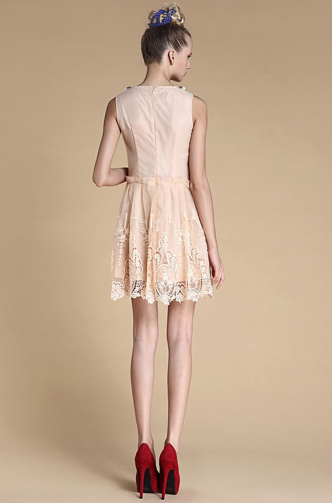 peach dress with red shoes