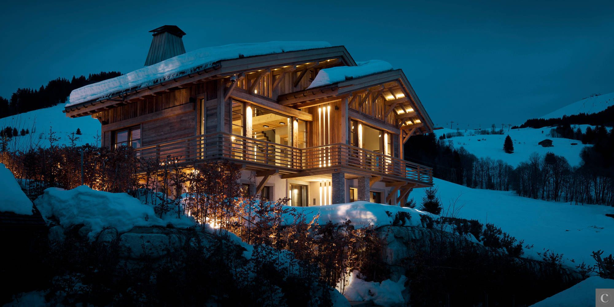A unique #Chalet in the private ski resort of Mont Arbois, 5 bedrooms and 10 persons.   #chalet Eugenia #Megève #skiing #luxury  more information: http://clni.st/1qx8jxm