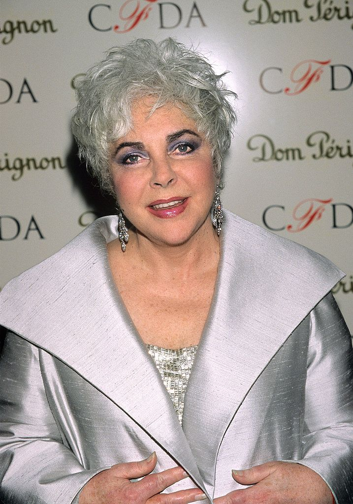 A Look at Hollywood Beauty Icon, the Bold Elizabeth Taylor | POPSUGAR Fashion
