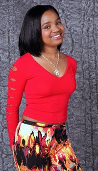 Pale pictures of kyla pratt pose nude pics