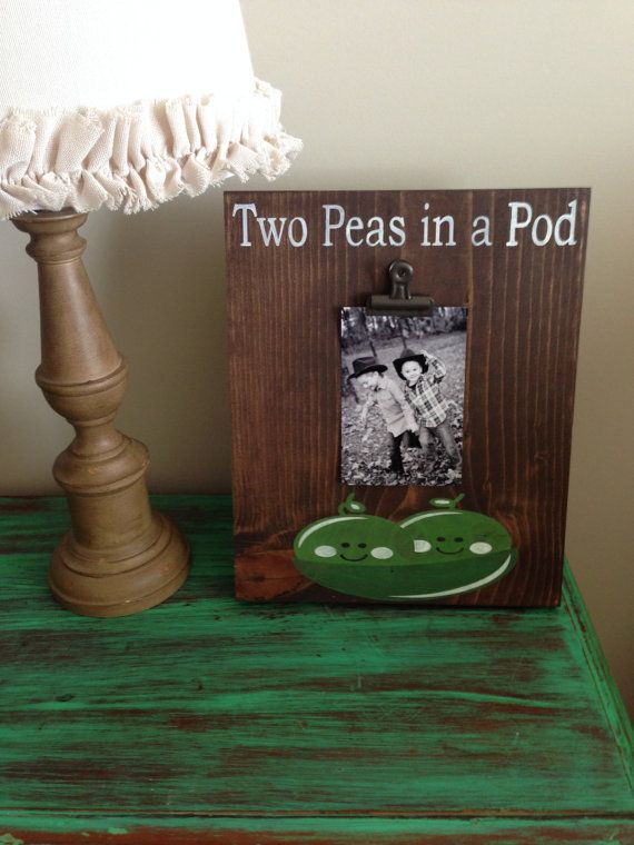 Beautifully Stained Wood Stand Up Two Peas In A Pod Clip Frame Oil