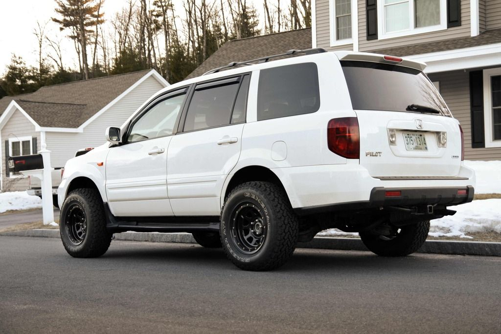 Procomp Xtreme Rock Crawler Wheels At2 General Grabber Tires From Summit Racing 255 70 16 16x8 0 Et 6 30mm S 2005 Honda Pilot Honda Pilot 2008 Honda Pilot