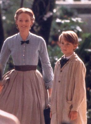 7e3f1ee49be8e2 Tom Felton (Louis Leonowens)   Jodie Foster (Anna Leonowens) - Anna and the  King (1999)  annaleonowens