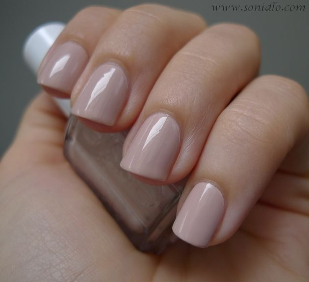 Will I finally veer away from my iconic french tip?? A beige-pink toned nude creme from Essie´s French Affair (Spring 2011)