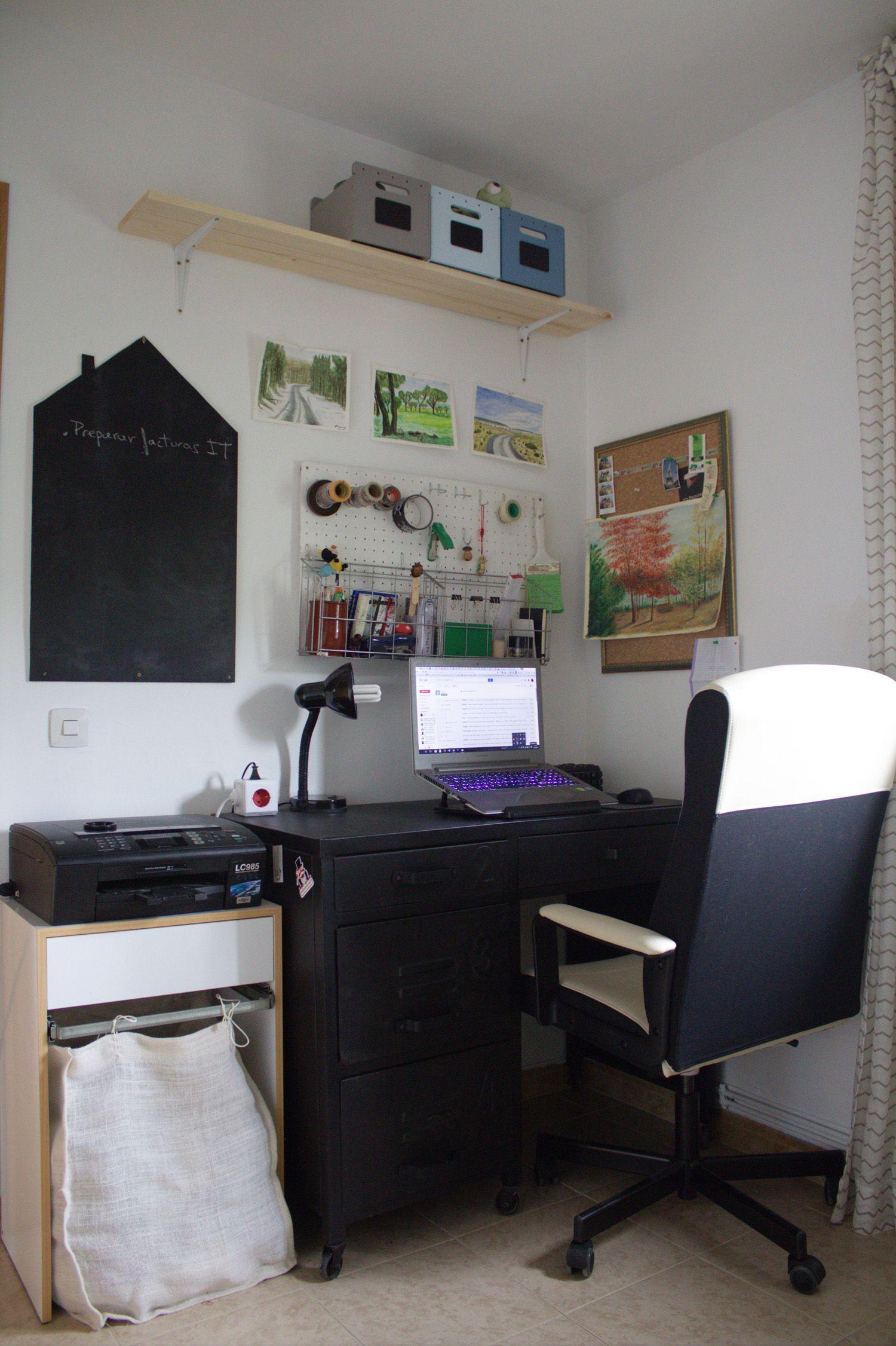 Antes y después de un dormitorio pequeño convertido en oficina en casa y habitacion de invitados