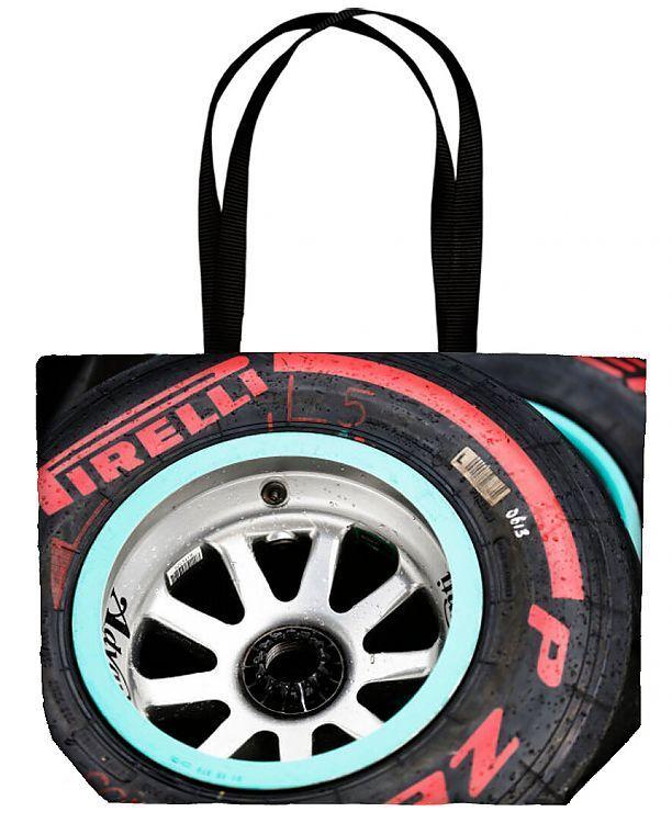 f1 Formel 1 Formel 1 gp aut Reifen Detail. Einkaufstasche. Red Bull Ring, Spielberg, Österreich. Sonntag, 21. Juni 2015. Gewaschene Reifen nach dem .