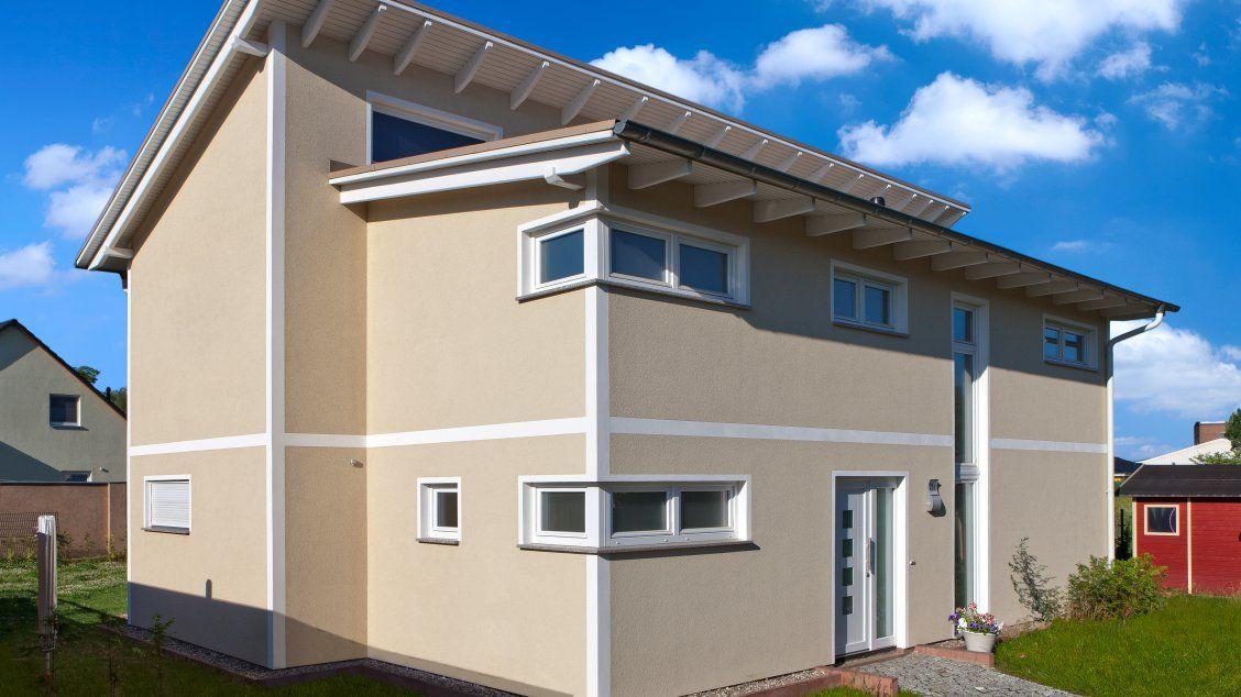 Moderne Wohnhäuser moderne häuser pultus 158 putzfassade schrägansicht hauseingang