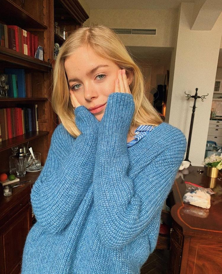 Royal Baby Alpaca Mix V Sweater | fashion we love in 2019