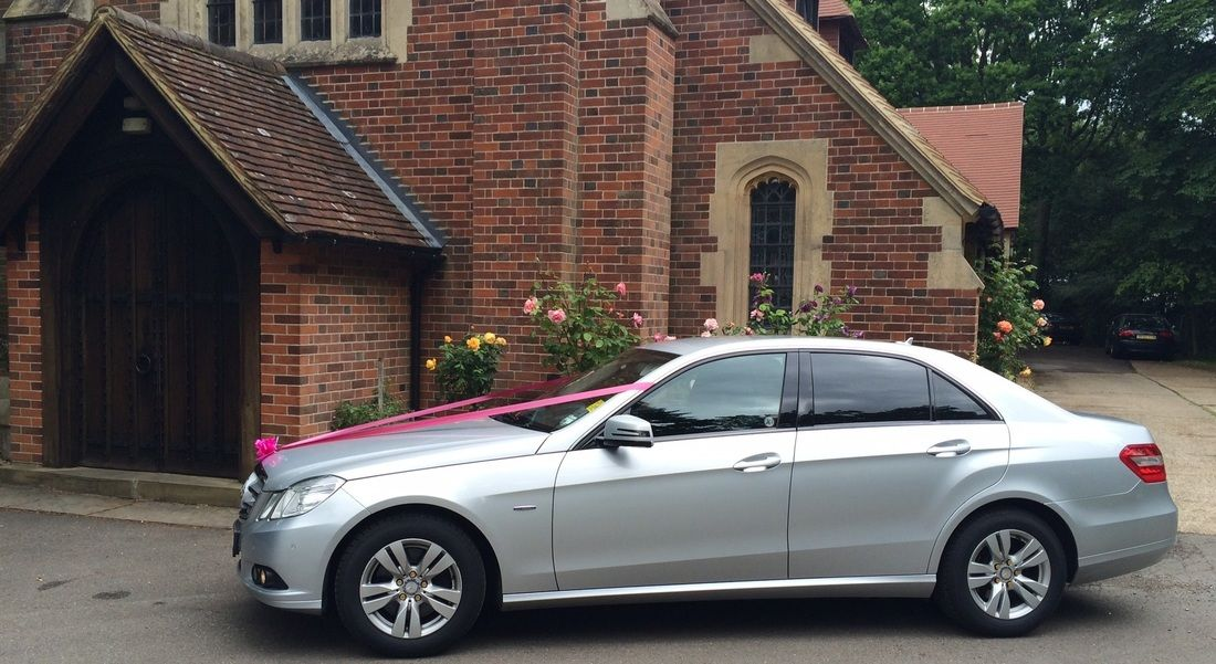 The Private Hire Service Has Now Made It Very Easy To Hire The Famous Luxury Cars For The Customer This Is How The Pe Car Hire West Yorkshire Wedding Car Hire