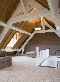 Houten balken voor op zolder | Slaapkamer | Pinterest | Dachboden ...