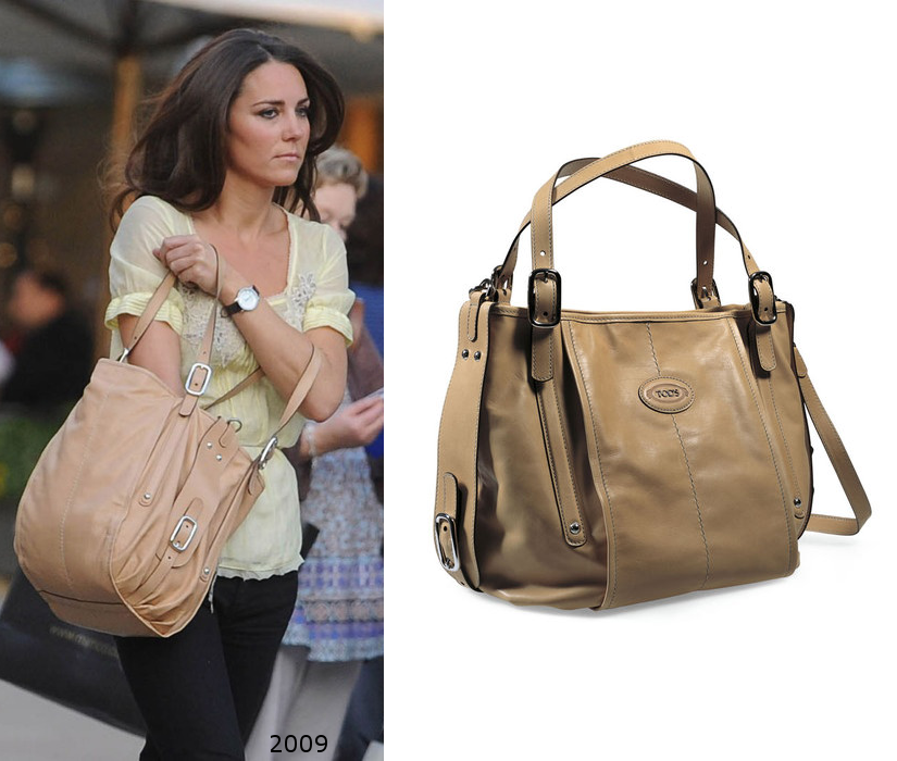 e07b17deeec1 Kate carrying her Tod s G-Bag Sacca hobo which she has owned for several  years.