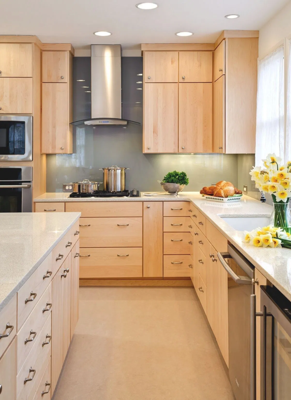 Kitchen Color Schemes With Light Maple Cabinets Birch Kitchen Cabinets Maple Kitchen Cabinets Kitchen Cabinets And Countertops