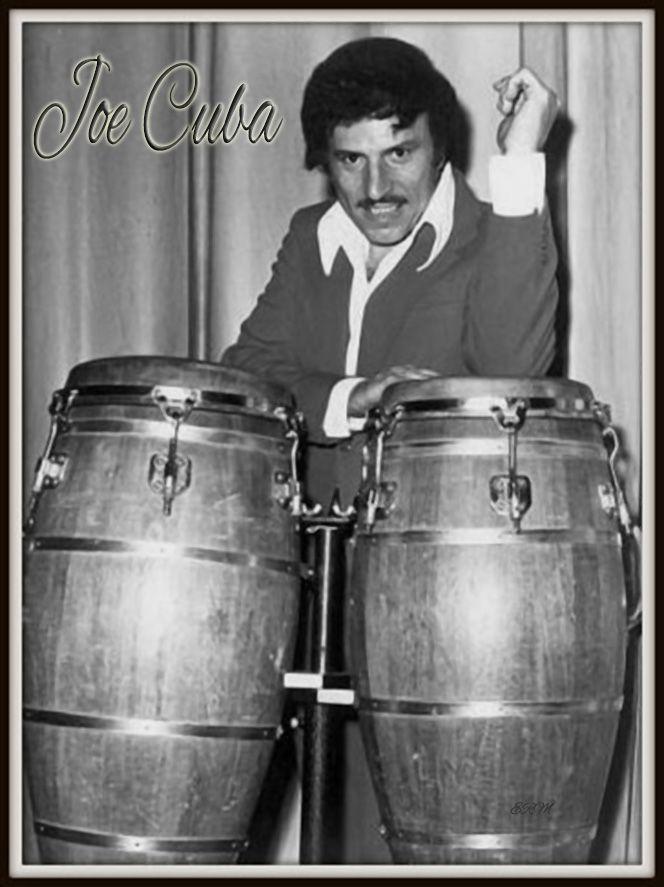 """22 de Abril de 1931: Nace Gilberto Miguel Calderón Cardona """"Joe Cuba"""", en Nueva York, USA. Sonero, Director musical, Compositor y Percusionista. Inició tocando en un grupo llamado La Alfarona X. En 1954, organizó su propia banda, que llamó """"Joe Cuba Sextet"""", adoptando su apodo, haciendo su debut en el Stardust Ballroom. Junto con colegas como Ray Barretto y Richie Ray, Cuba fue una de las figuras más mediáticas del estilo latino de Nueva York de los años 1960."""