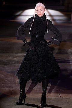 Alexander McQueen Fall 2002 Ready-to-Wear Collection Photos - Vogue