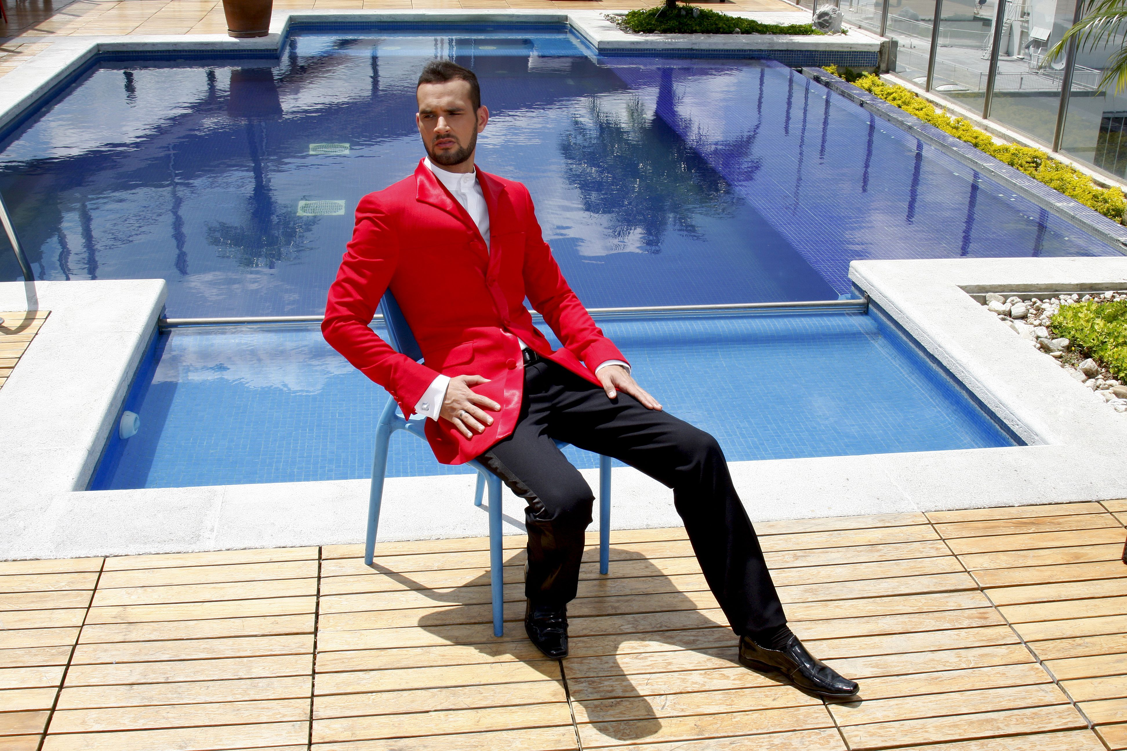Daniel Medina (Caracas, 1980) es un nuevo talento en el mundo de la moda venezolana. Sus creaciones están marcadas por un estilo.