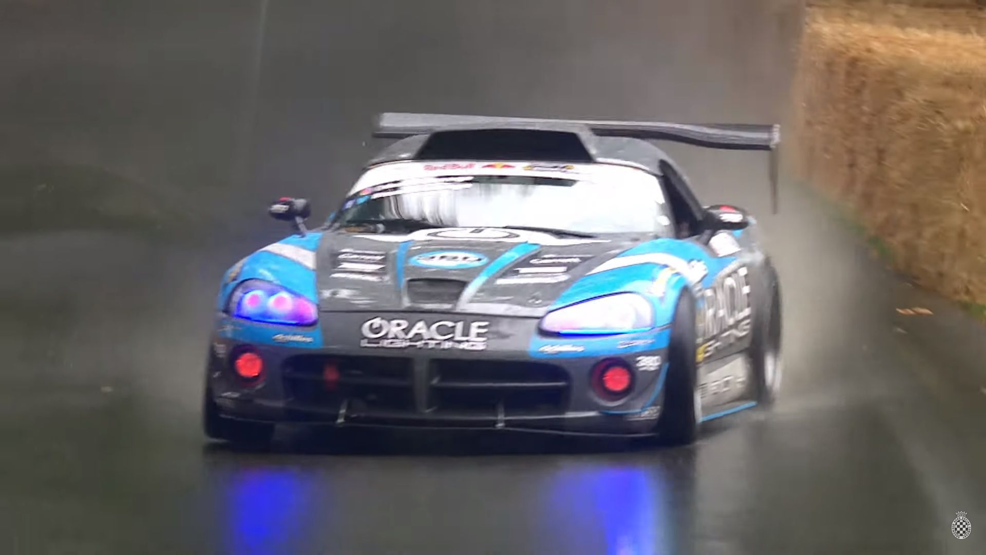 A Dodge Viper Drifting In The Rain Is A Treat For All Of Us Dodge Viper Viper Super Cars