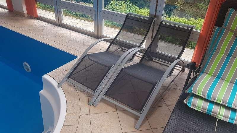 2 Stuck Hochwertige Gartenliegen Sonnenliegen Liegestuhl Poolliegen Aus Aluminium 80 9300 Schaumboden Willhaben Gartenliege Pool Liegen Willhaben