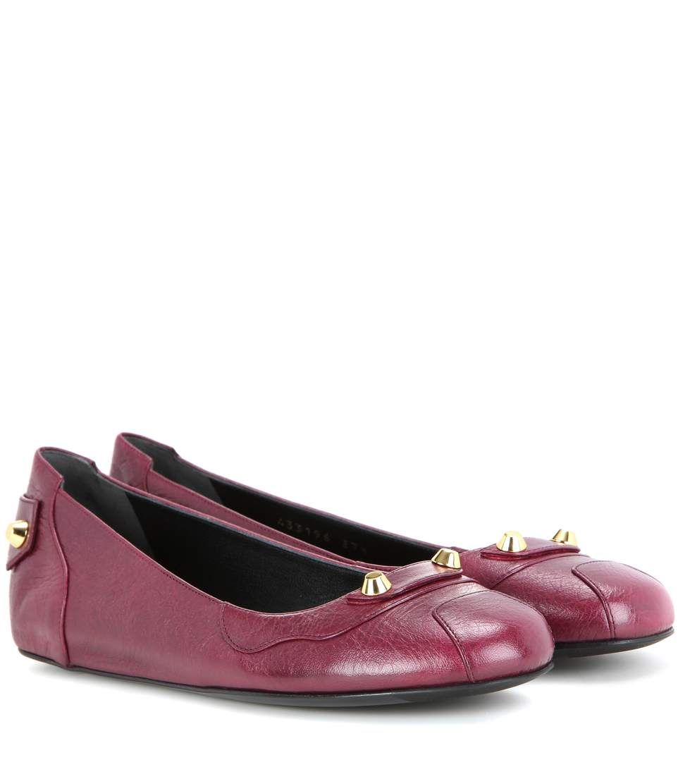 BALENCIAGA Embellished Leather Ballerinas. #balenciaga #shoes #flats