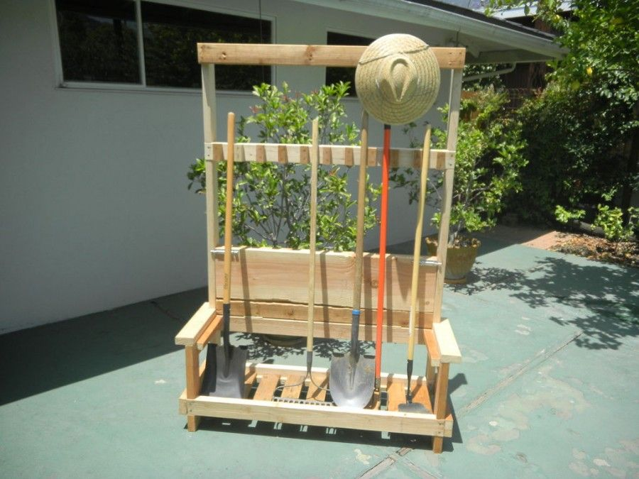 This diy garden tool rack is so handy for your garden it also this diy garden tool rack is so handy for your garden it also converts into solutioingenieria