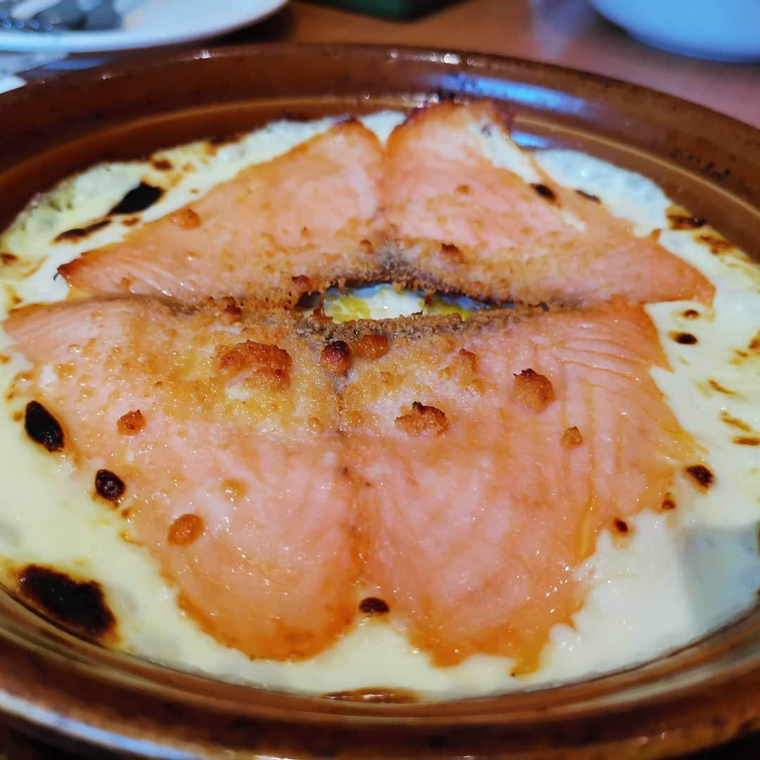 Baked Salmon and rice with Creamy sauce       Baked Salmon and rice with Creamy sauce