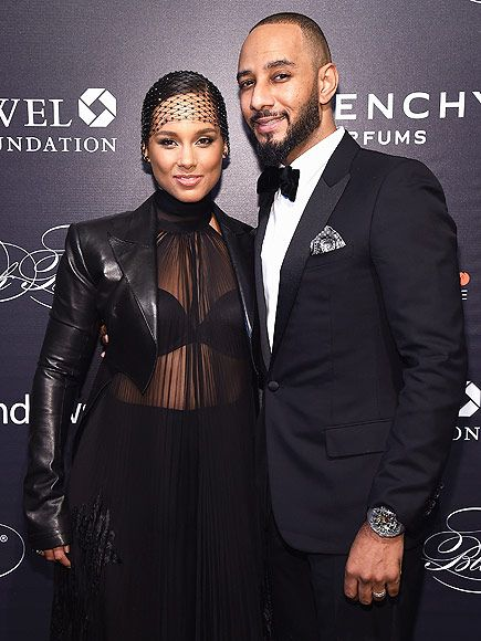 Alicia Keys And Lenny Kravitz Duet At Black Ball Video With