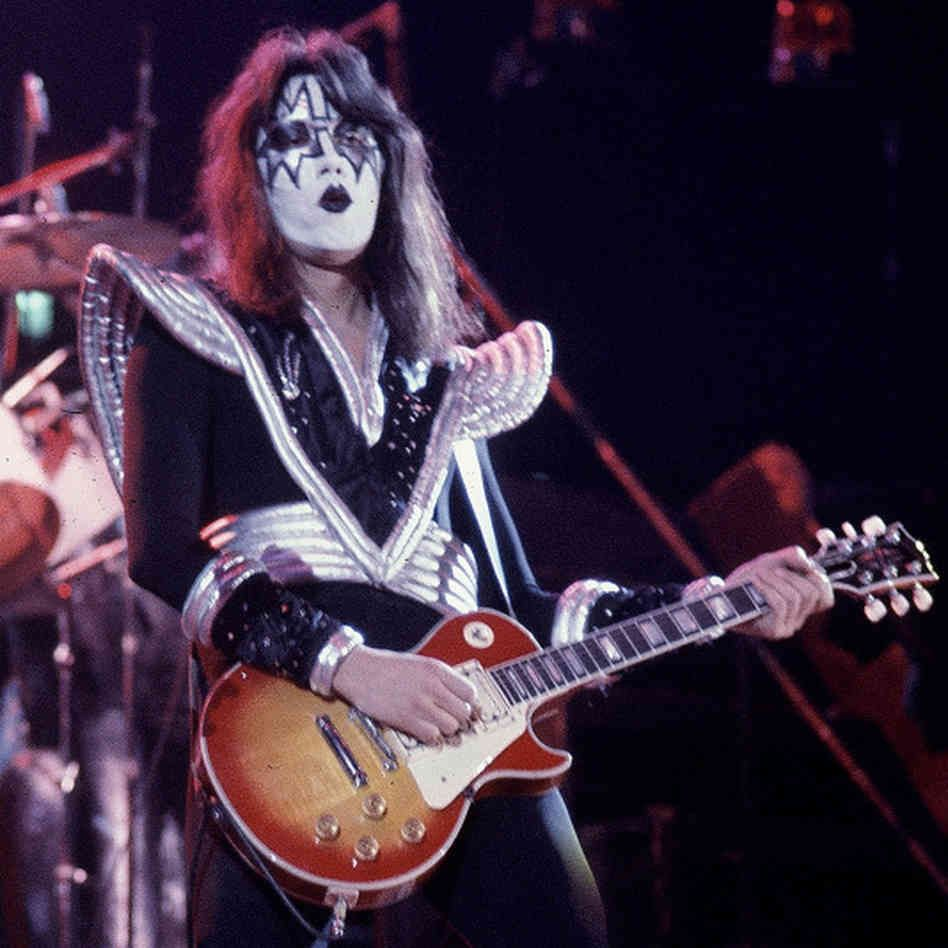 ace frehley playing guitar time to jam ace frehley kiss members kiss rock bands. Black Bedroom Furniture Sets. Home Design Ideas